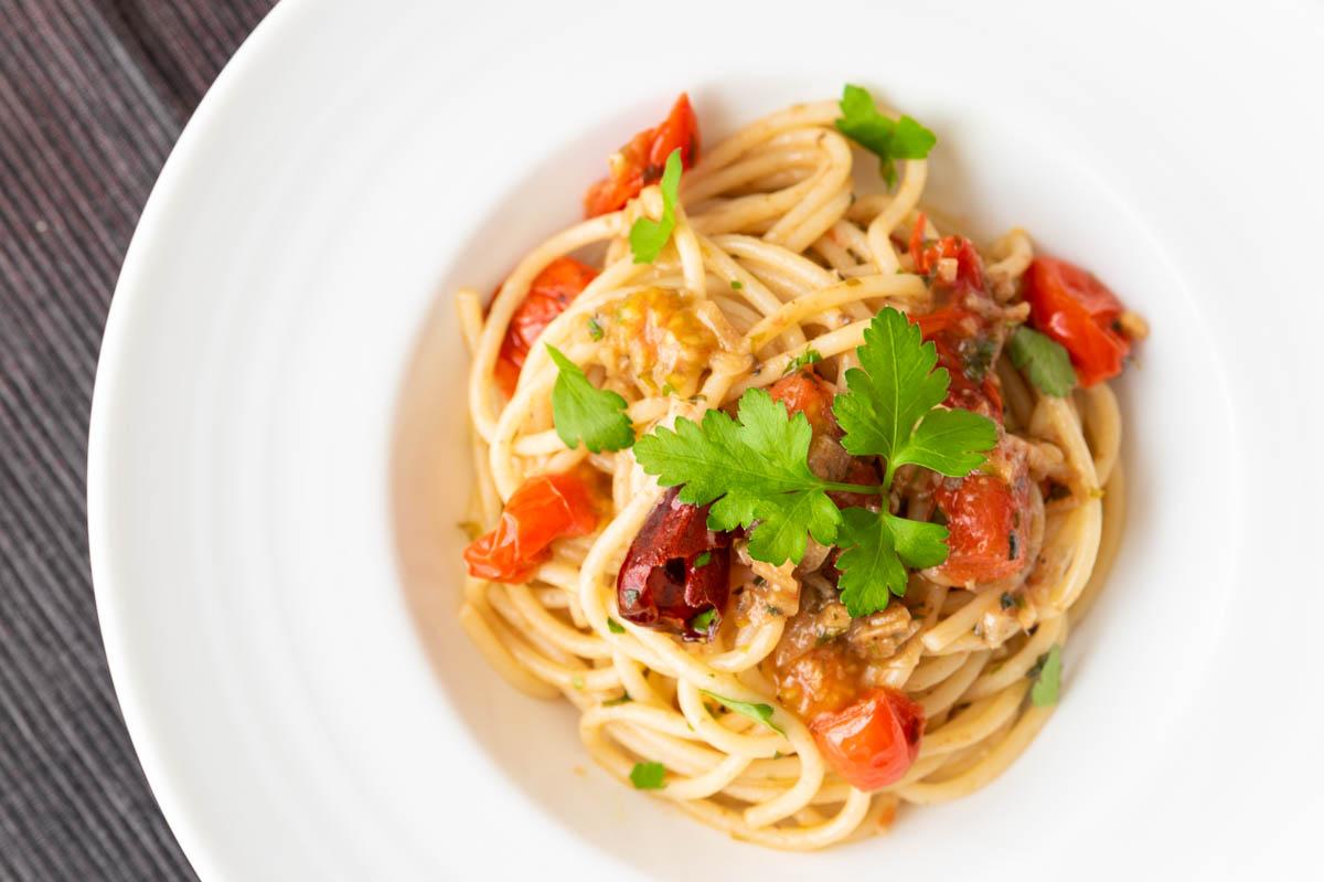 アンチョビとイタリアンパセリのパスタ アンチョビ パセリ トマト