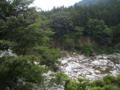 渡良瀬川と白御影石