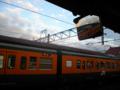 岡山行き普通列車は、115系湘南色