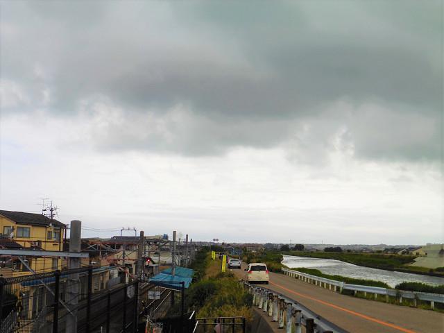 三ツ屋駅と浅野川