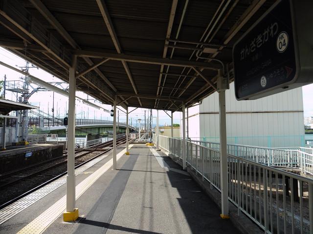 神崎川駅ホーム