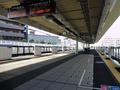 JR総持寺駅ホーム