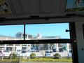 バス車窓越しの奈半利駅