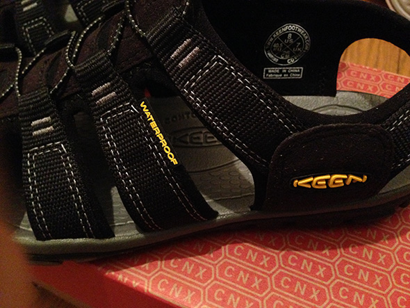 KEEN CLEARWATER CNX ロゴ WATER PROOF