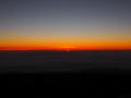 マウナ・ケア山頂より ちょびっと朝日がのぞく