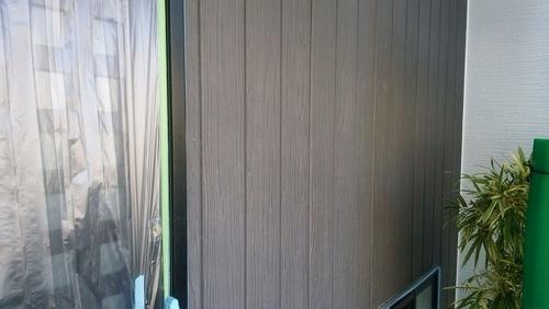 クリア塗装前の外壁グレー