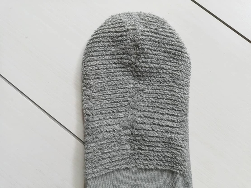 靴下の内側