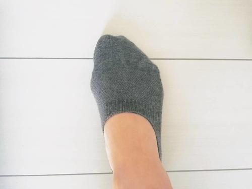 靴下をはいた画像