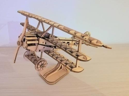 完成した飛行機全体図