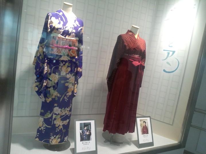 ドラマライブラリー はなと蓮子の衣装