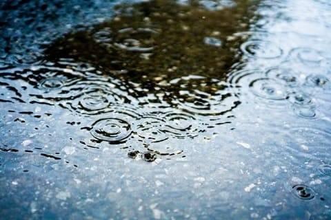 ゲリラ豪雨の定義とは?原因と仕組み、雨量を解説
