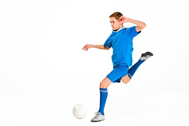 「認知機能テスト」は有望なサッカー選手の発掘に役立つ、ワーキングメモリーがプレーに関連