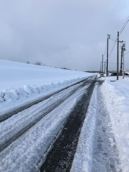 夕方の雪道