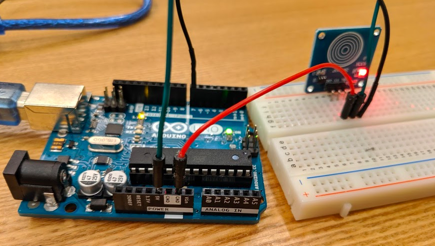 Arduinoのタッチセンサーを使ってみる_1