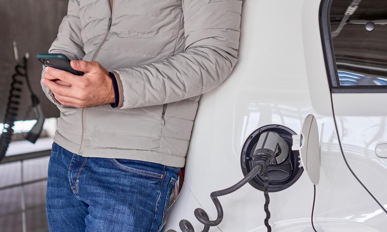 EV車充電の様子