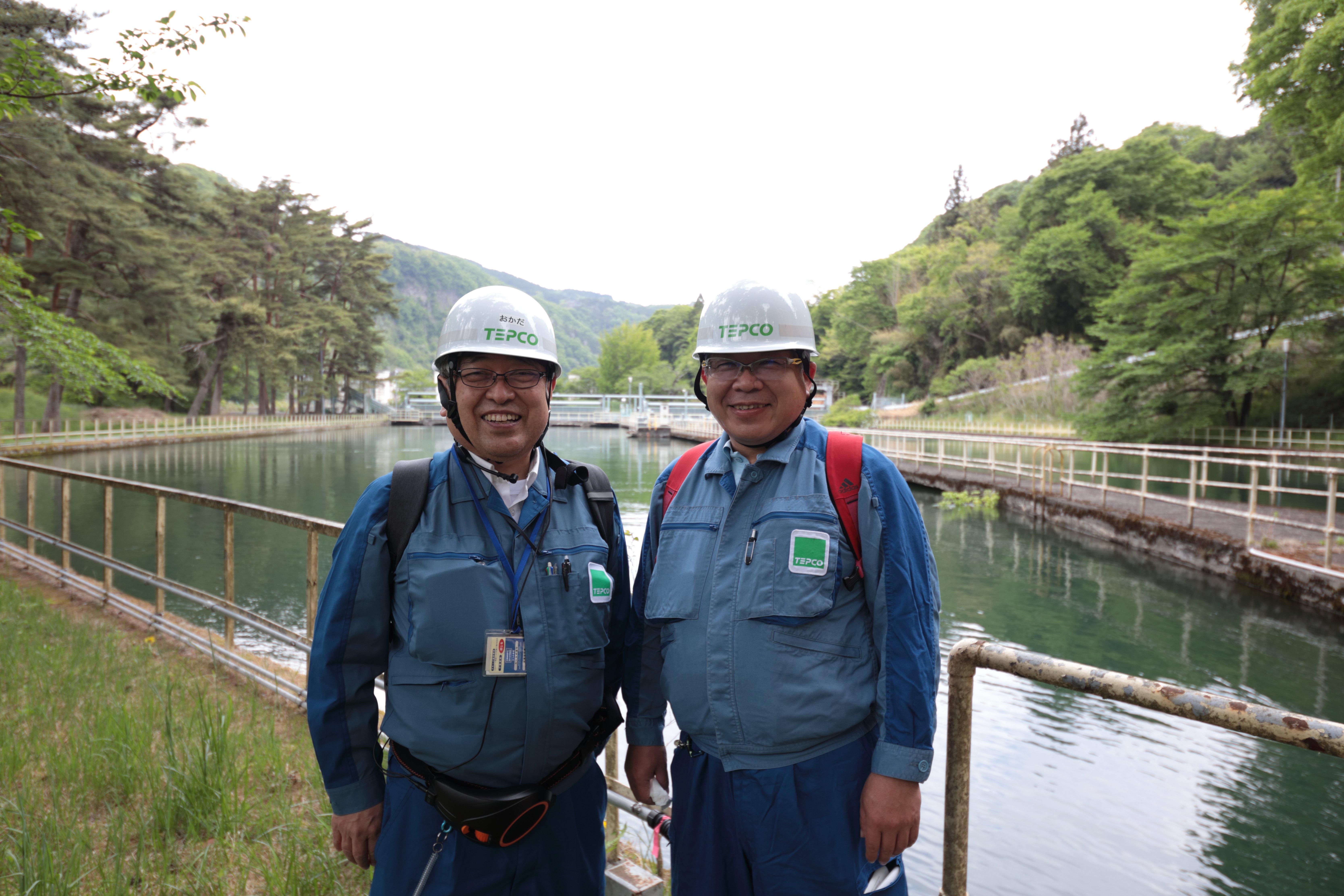 東京電力リニューアブルパワーの矢内弘人さんと岡田将志さん