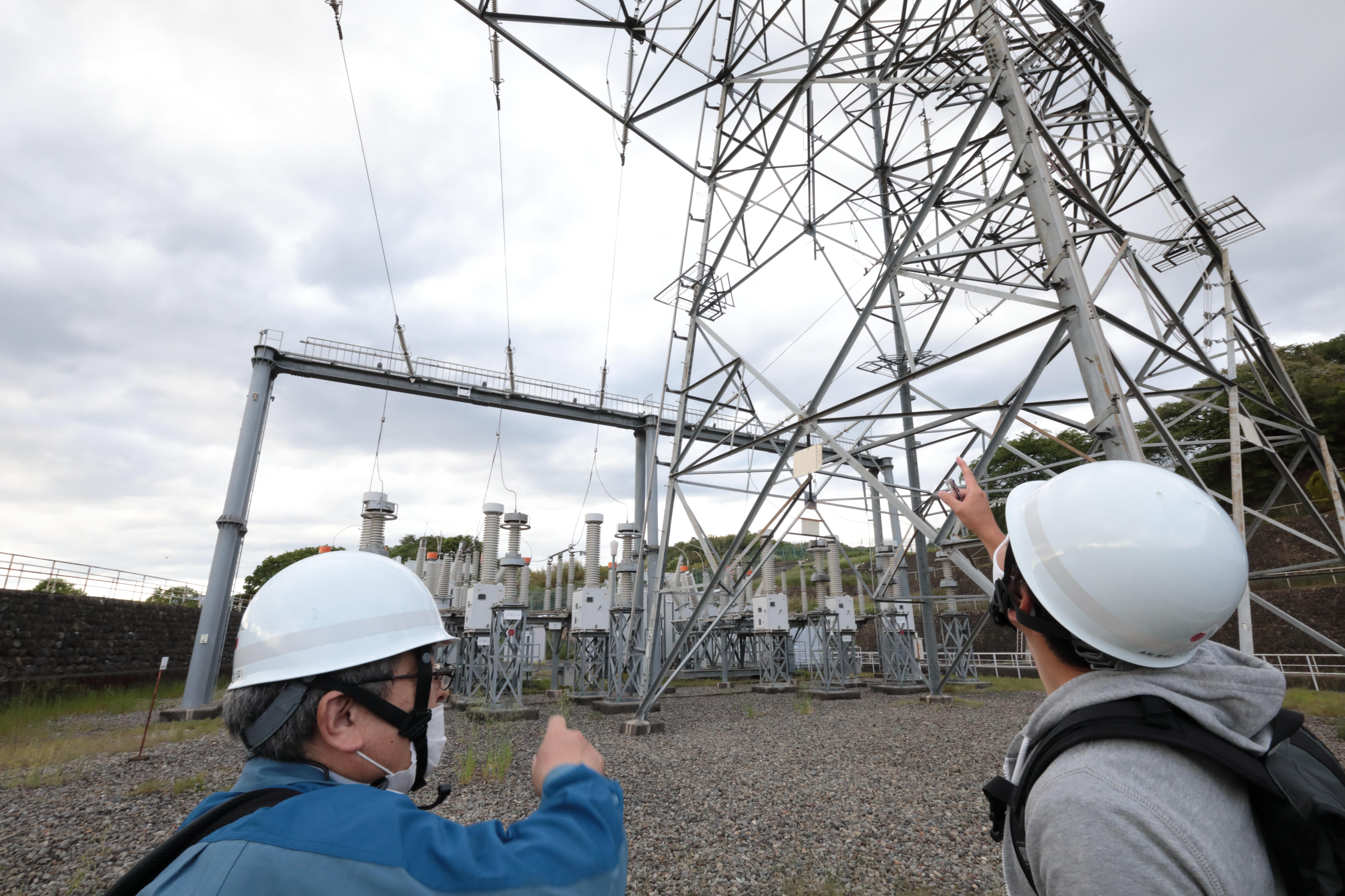 送電線網の見学