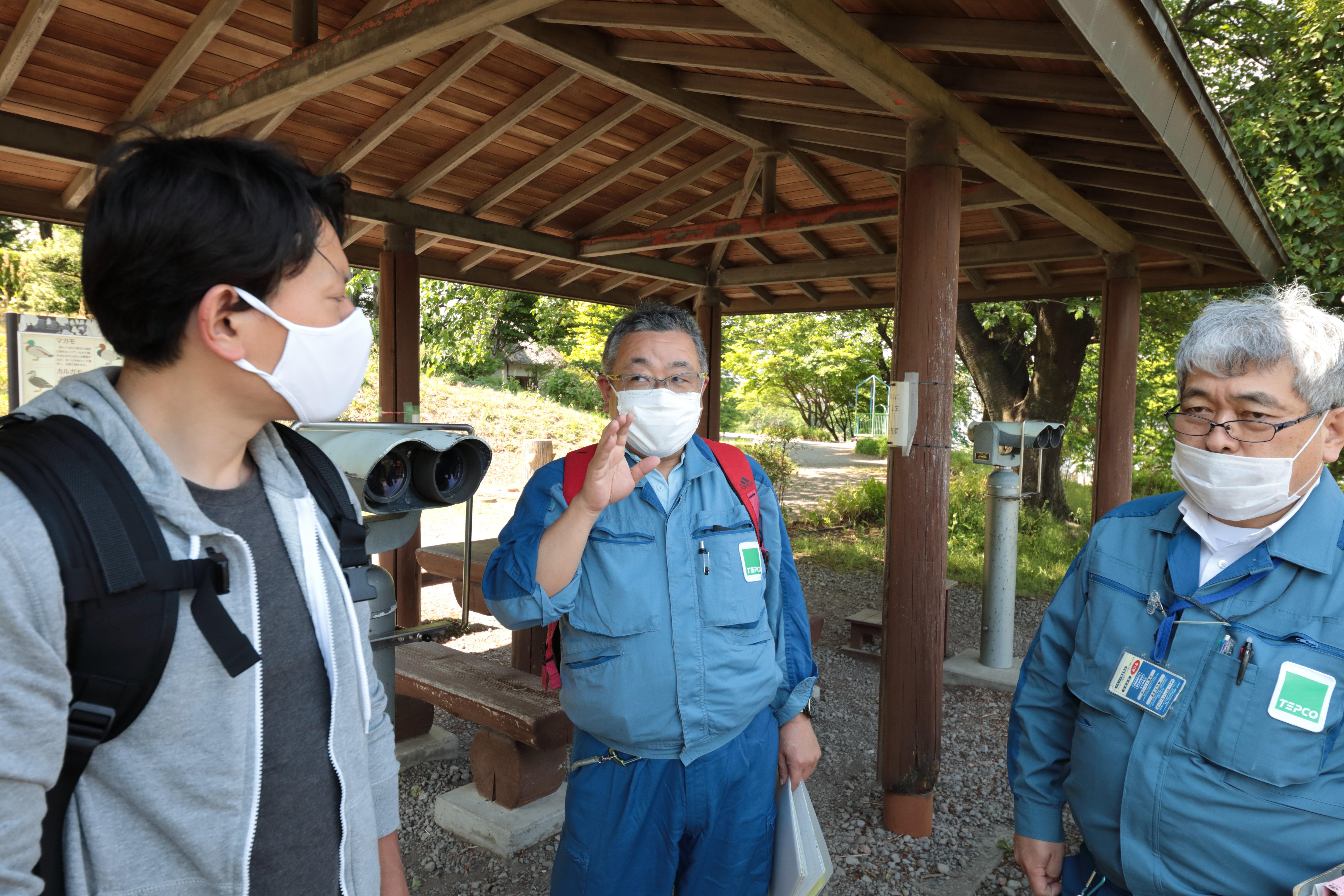矢内さんと岡田さん、筆者