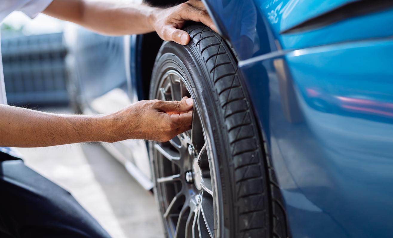 自動車のタイヤのメンテナンス