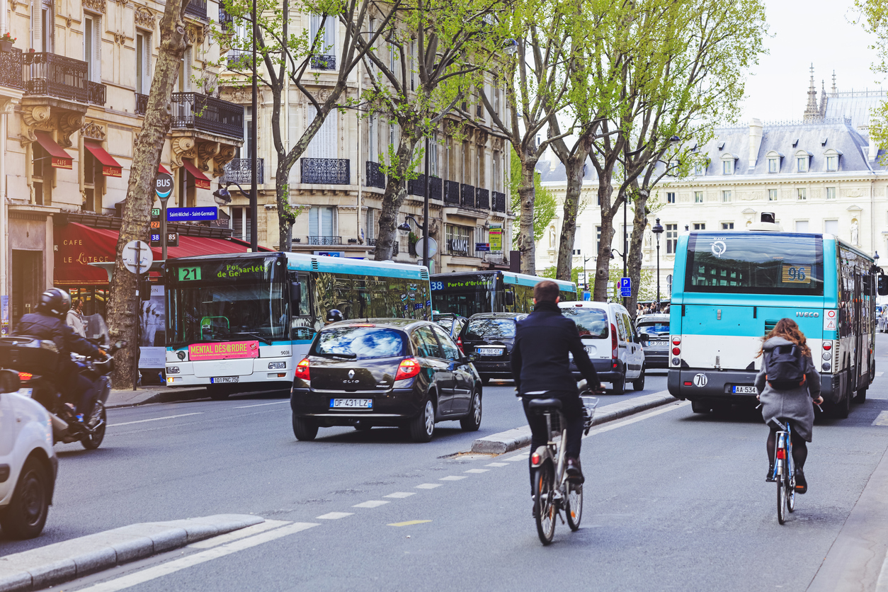 istock画像 ヨーロッパの道路