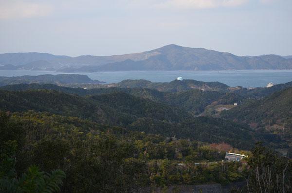 景観と安全に配慮したガードレールの色は@福岡