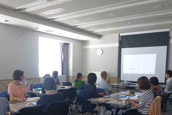 九州、福岡の保育士さんや学校の先生向けの色の勉強会や講習を