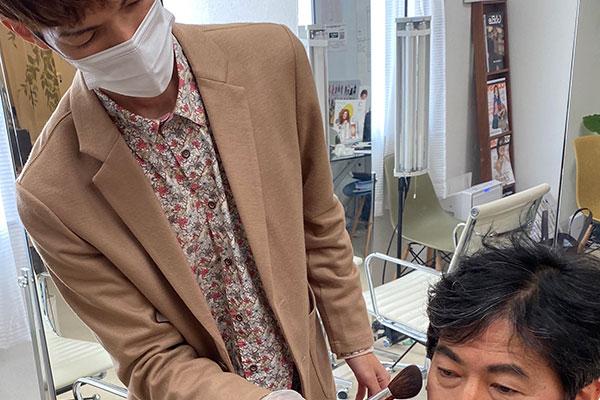 福岡天神メンズメイクレッスンが受けられるサロン