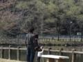 正伝池にて (左から次男、妻、孫)