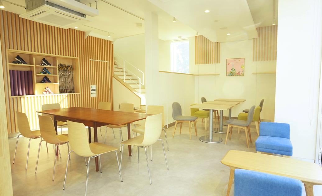 浅草の電源コンセント&wifi利用できるカフェ