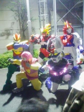 スーパーロボットスピリット この人たちは観客です