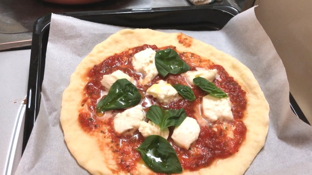 ピザオーブンで焼く