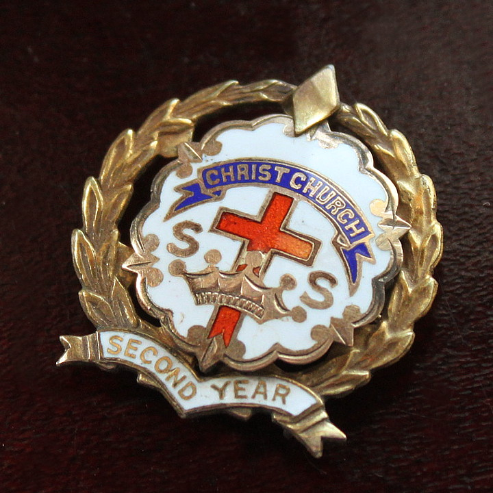 USAヴィンテージピンバッジ白10KGF|CHRIST CHURCH教会日曜学校メンバーブローチ [ACS-18-010]