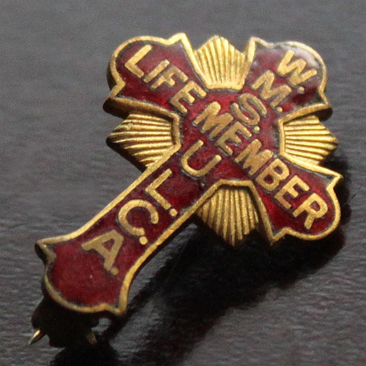 USAヴィンテージ1930s十字架ピンバッジ赤|W.M.S. U.L.C.A.終身会員ブローチ [ACS-18-013]