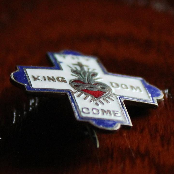 キリスト教の祈り「主の祈り」からとったTHY KINGDOM COM|ヴィンテージバッジ