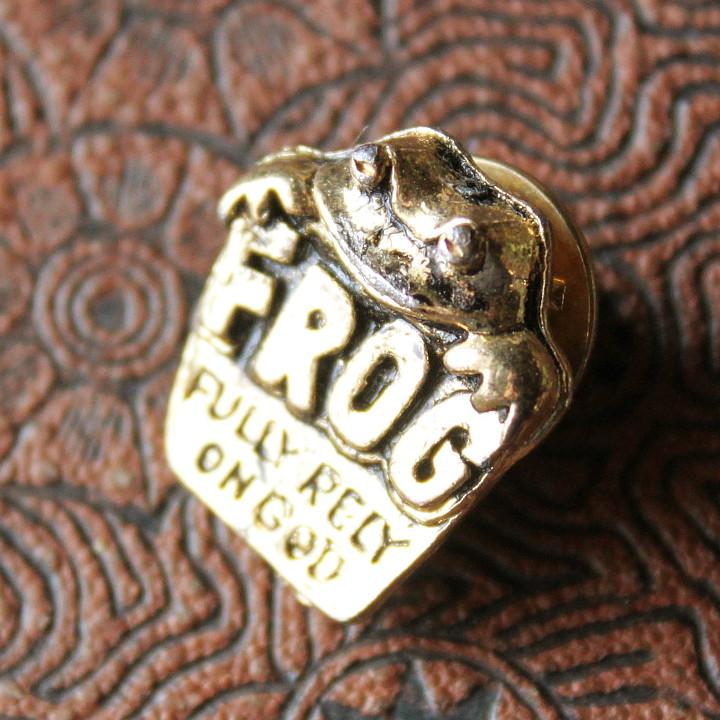 Fully Rely On God FROG蛙の祈りピンバッジ USAアンティーク雑貨ピンズ