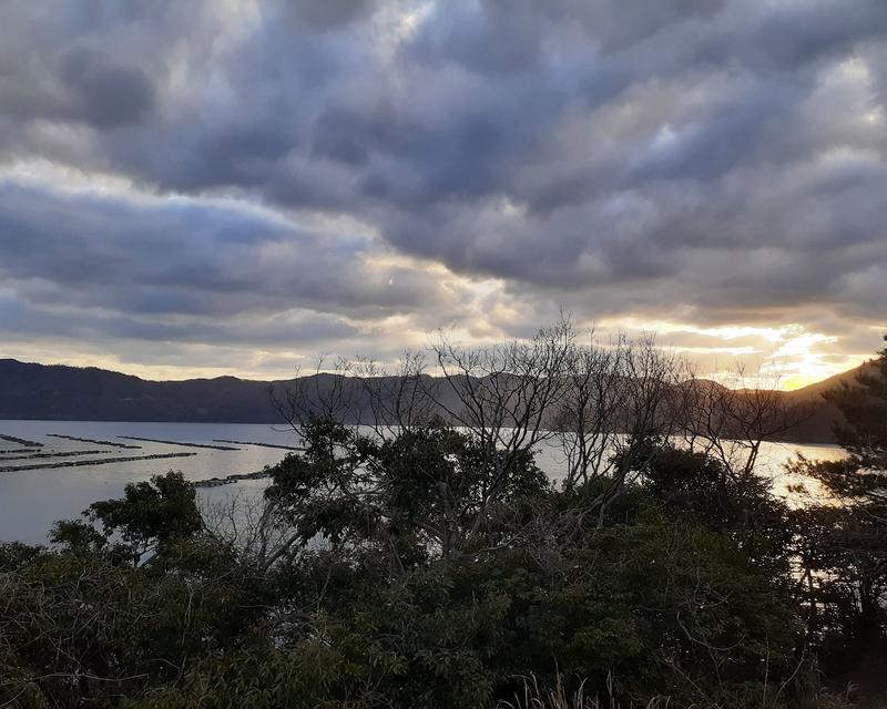 福井県若狭湾の朝焼け