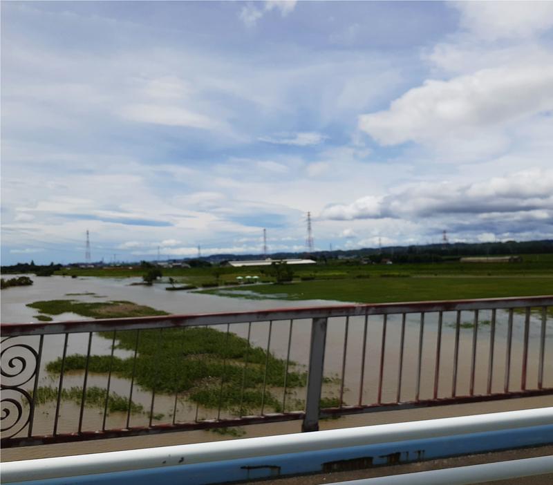 大雨の増水で木曽川の東海広場は水没