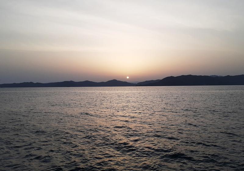 若狭湾の日の出