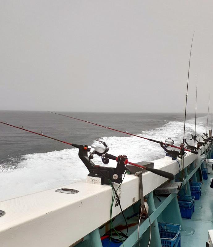 敦賀沖のマイカのポイントへ向かう