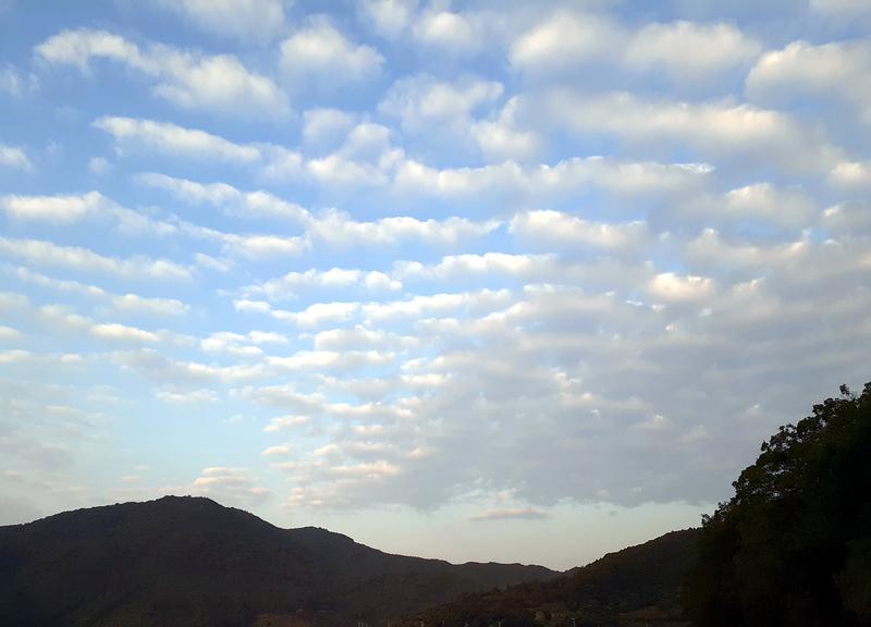 伊勢志摩でうろこ雲