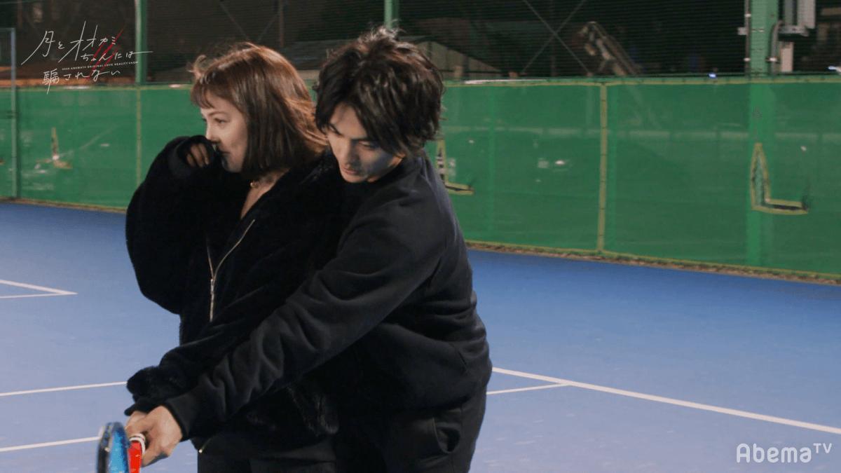 テニスデートをした(左から)ナナ、とおる(C)AbemaTV