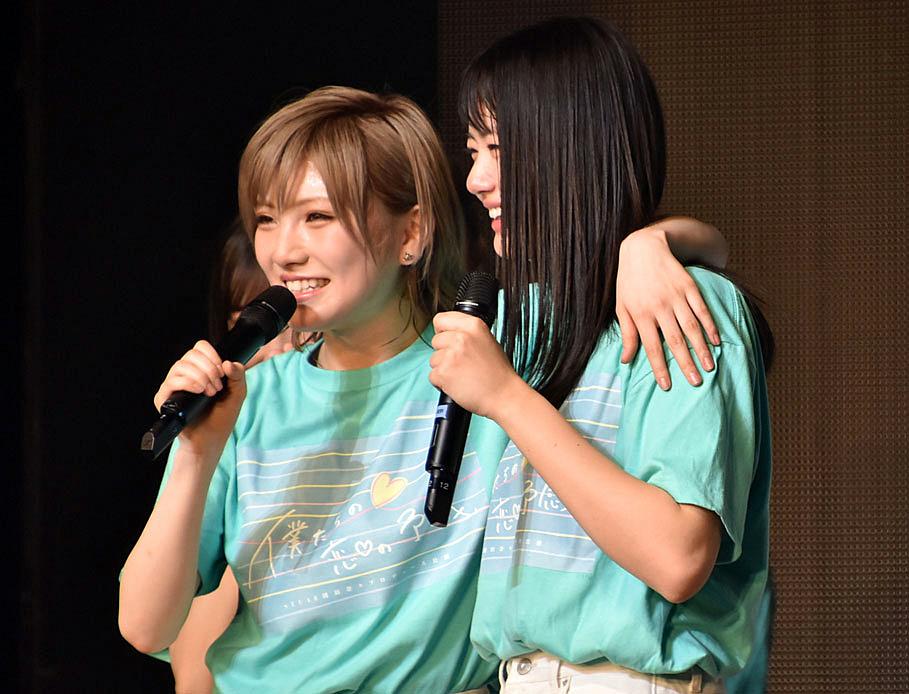 STU48を兼任するAKB48のAKB48エース・岡田奈々(左) ※右はSTU48のエース・瀧野由美子(C)ORICON NewS inc.