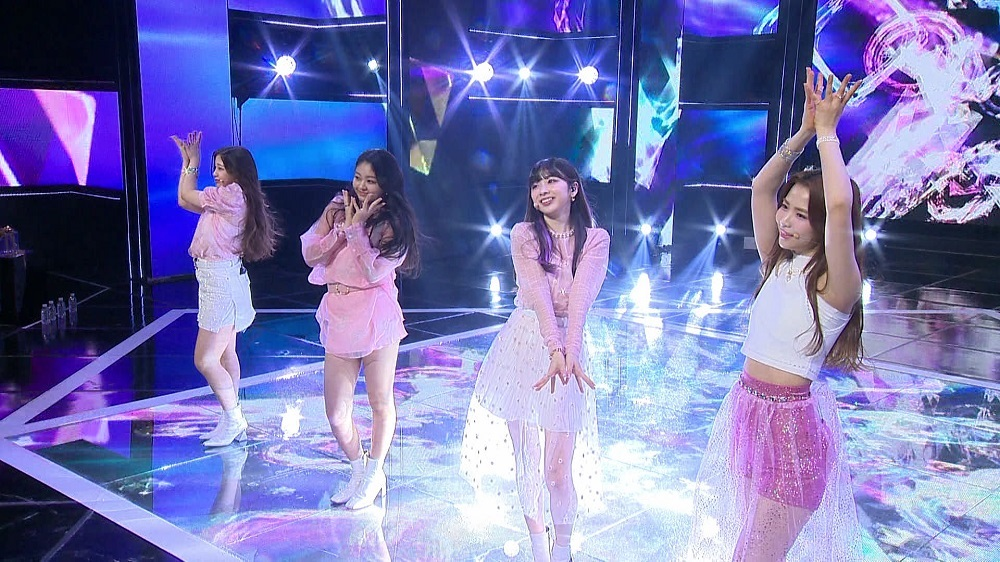 マヤチーム(左から)ユナさん、アカリさん、ミイヒさん、マヤさん