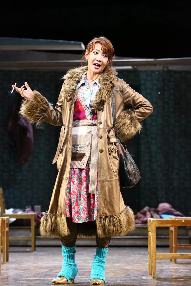 柚希さん演じるウィルキンソン先生(2017年) 写真提供:ホリプロ