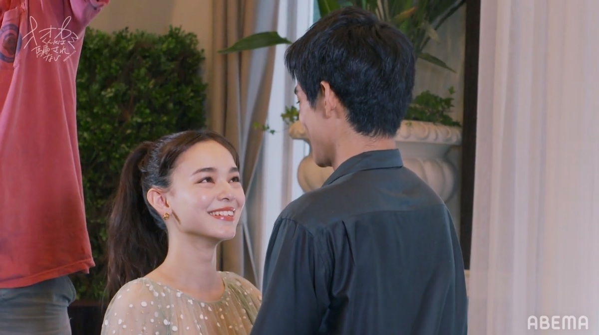 撮影中の(左から)マリカとよしき(C)ABEMA,Inc.