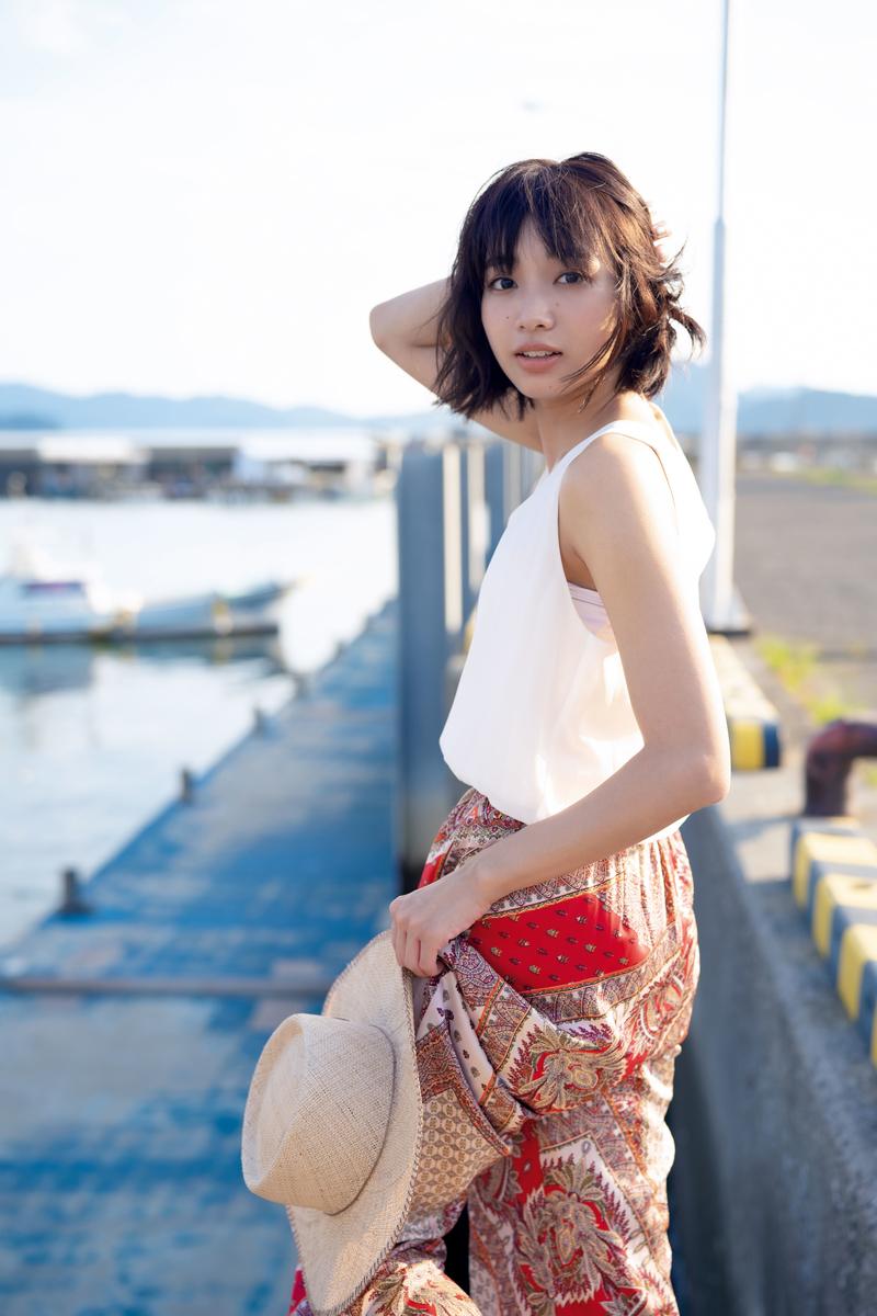 ファースト写真集『あかねいろ』より(C)光文社/週刊FLASH 写真◎矢西誠二