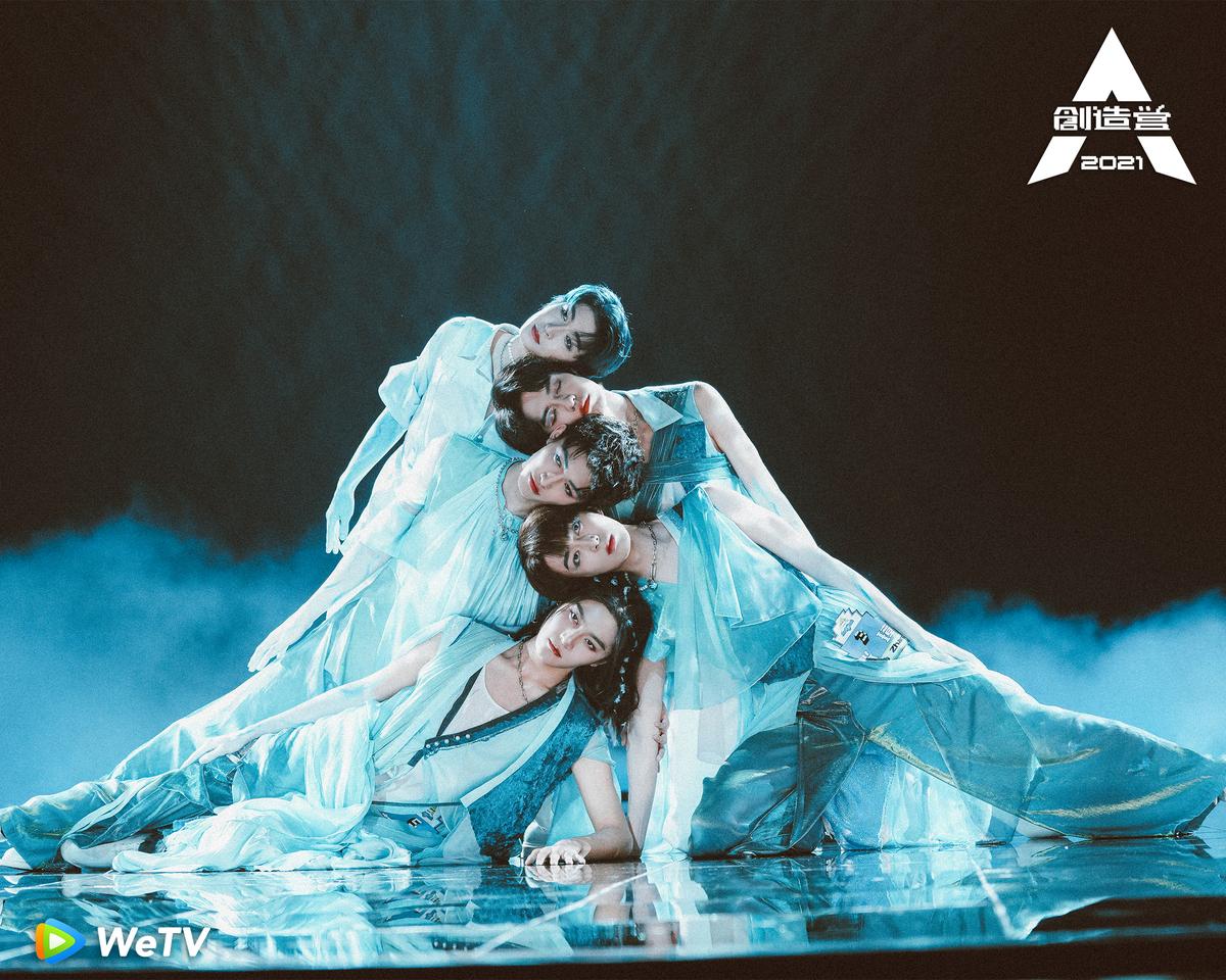 『孤島になった鯨』チーム 一番上がリュウ・ユ