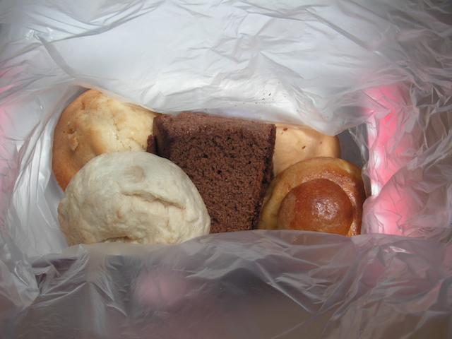 イースター島 昼食のパン