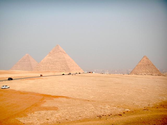 エジプト カイロ 世界遺産ピラミッド1