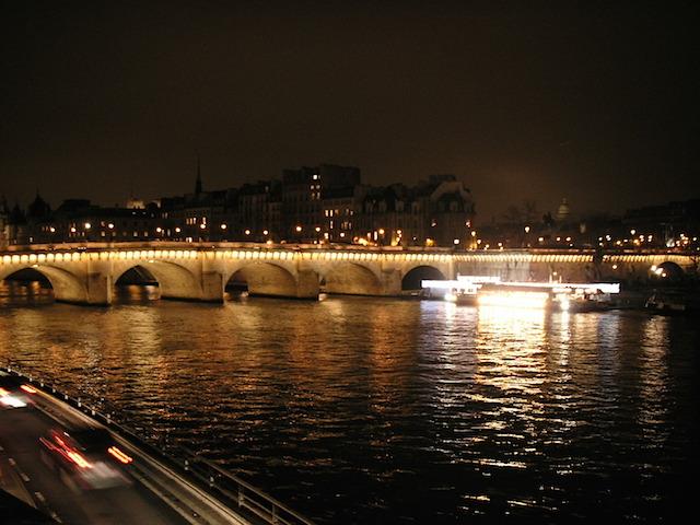 フランス パリ世界三のセーヌ川